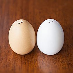 Egg shaped salt and pepper shakers kitchen dining - Egg shaped salt and pepper shakers ...