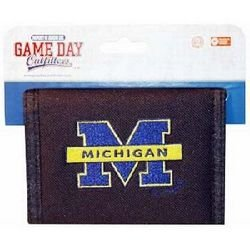 Game Day Outfitters NCAA Michigan Wolverines Bi-Fold Wallet with Logo (University College Logo Pin)