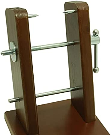 Jamonero Modelo Reserva con Set de cuchillo Jamonero, chaira y cubre jamón burdeos, Soporte para Jamón y paletillas fijo realizado en madera de pino color nogal. Antideslizante