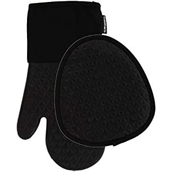 Cuisinart Silicone Kitchen Oven Mitts/Gloves & Potholder Set - Heat Resistant up to 500 F, Handle Hot Oven/Cooking Items Safely - Non-Slip Grip and Hanging Loop- Trillion- Jet Black, 2pk