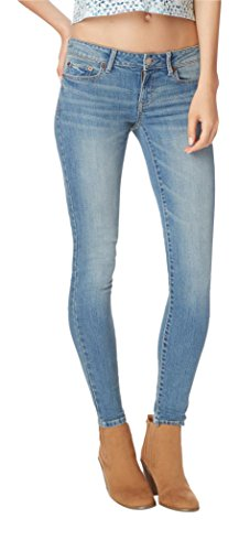 Aeropostale Women's Seriously Stretchy Low-Rise Jegging 8 S Light Wash Jegging Short