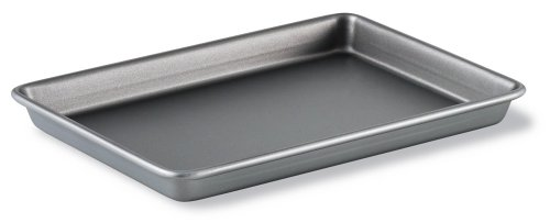Calphalon Classic Bakeware 9-by-13-Inch Rectangular Nonstick Brownie Pan by Calphalon