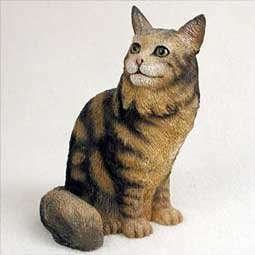 Cat Brown Coon Maine - Brown Maine Coon Cat Figurine by Conversation Concepts
