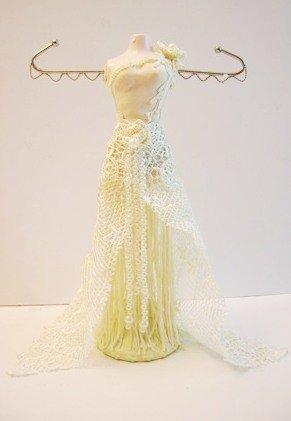 S S Sarna Nini Lace Splendor Mannequin Jewelry Organizer Ivory 5720
