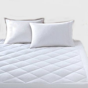 Mattress Pad. Best Waterproof Soft Hypoallergenic Topper Pillow For Deep Healthy Sleep. Tempurpedic Comforter Total Protection Cover Protects Bed From Stains, Dirt, Dust, Wetness & Insects