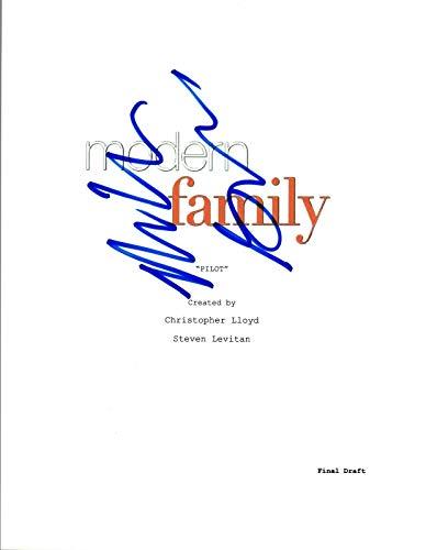 Nolan Gould Signed Autographed MODERN FAMILY Pilot Episode Script COA VD ()