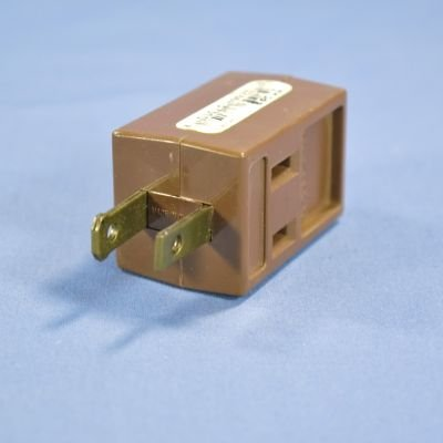 Brown 3out 3wire Grounded Cube (Gnd Tap)