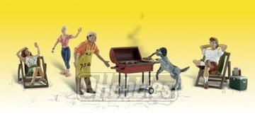 Woodland Scenics N Scenic Accents Backyard Barbeque (4 Figures, 2 Chairs, Grill, Cooler & Dog)