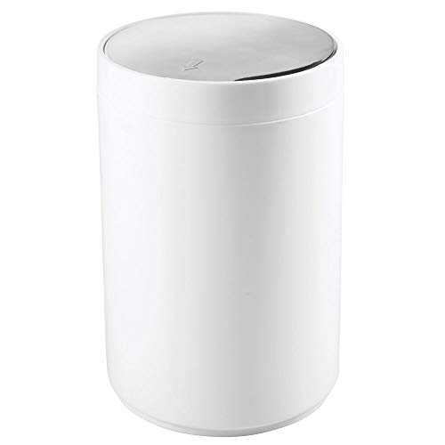 (mDesign Small Round Plastic Trash Can Wastebasket, Garbage Container Bin with Swing Top Lid - for Bathrooms, Kitchens, Home Offices - 1.3 Gallon/5 Liter - White/Chrome)