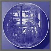 "1997 Bing and Grondahl Christmas Plate ""Through Window"""