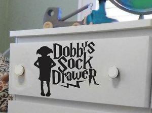 Pegatina de Dobby de Harry Potter para cajón de calcetines, texto en inglés, 10 cm, color negro