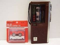 GE VOICE ACTIVATED AC/DC MICROCASSETTE RECORDER, MODEL # 3-5328 by GE (Image #1)
