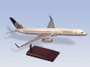 Daron Worldwide Trading G6910W Continental B757-200 W/WINGLETS 1/100 AIRCRAFT