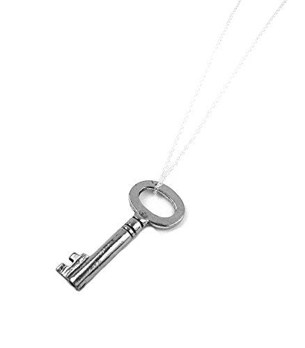 Silver Key Necklace Mary Margaret Snow White OUAT Once Upon A Time Inspired Jewelry (18 Inches) (Mary Margaret Once Upon A Time Fashion)