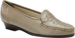 SoftSpots Constance Womens Taupe Leather Slip On Loafers Comfort Shoes (7 US, Medium) -