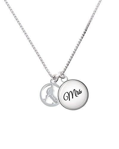 field-hockey-player-silhouette-in-1-2-disc-mrs-glass-dome-necklace