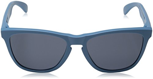 Oakley OO9013 Frogskins Sunglasses 2 Retro-inspired sunglasses in wayfarer silhouette featuring tinted lenses with UV protection and logoed earstems