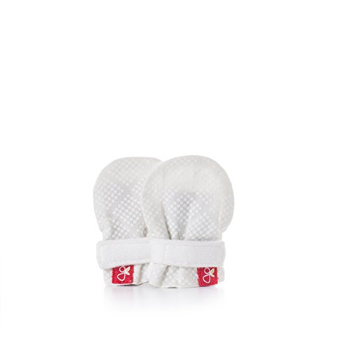 goumimitts, Scratch Free Baby Mittens, Organic Soft Stay On Unisex Mittens, Stops Scratches and Prevents Germs - (Diamond Dots - Cream, Micropreemie)