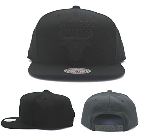 Mitchell & Ness Men's Black on Black Tonal Snapback Hat, Chicago Bulls, Black (Chicago Bulls Snapback)