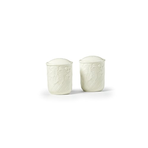 Mikasa English Countryside Salt and Pepper Shaker Set ()