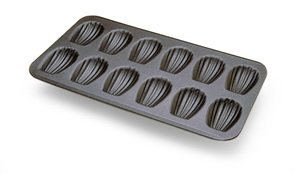 Madeleine Pan 12 Cavities-NONSTICK-Each cavity: 3-1/4''X2''. Overall size of pan: 15-1/2''X9''