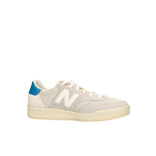 Calzado deportivo para hombre, color gris , marca NEW BALANCE, modelo Calzado Deportivo Para Hombre NEW BALANCE CRT300 AG Gris Suede/Mesh Light Grey