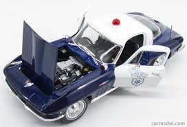 Maisto Year 2015 Special Edition Series 1:18 Scale Die Cast Car Set - Blue and White Classic Coupe Police Cruiser 1965 Chevrolet Corvette with Display Base (Car Dimension: 9 x 3-1/2 x 2-1/2)