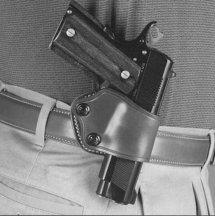 Galco Yaqui Slide Belt Holster for Beretta 92, 96, Sig Sauer P220, P226, P229, Glock 17, 19, 22, 23, 26, 27, 31, 32, 33, 36 (Black, Right-Hand) ()