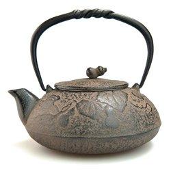 Japanese Nambu Ironware Tea Kettle 16.9 oz - Pattern / Calabash, Grey by Comolife
