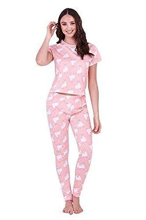 beac5c697795b Loungeable Womens Novelty Llama Print Pyjamas  Amazon.co.uk  Clothing