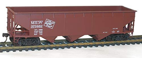 Ho AAR 70-Ton Offset Triple Hopper Kit, Milwaukee Road (CMStP&P) #370462