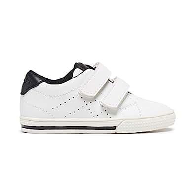 Clarks Boys Kicker B Fashion Shoes, White/Black,4.5 US