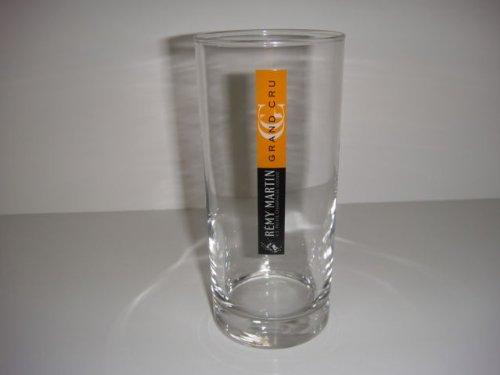 pair-remy-martin-grand-cru-vs-petite-champagne-cognac-liquor-glass