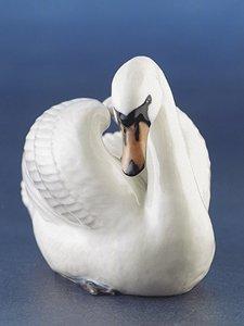 Royal Copenhagen Figurine, Swan (Royal Animal Copenhagen)