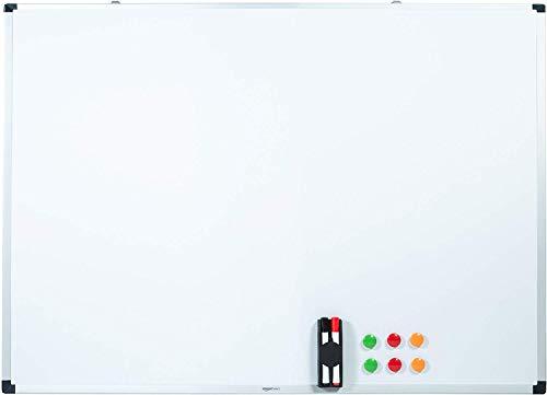 AmazonBasics - Pizarra blanca magnetica con bandeja para rotuladores y marco de aluminio, 120 cm x 90 cm