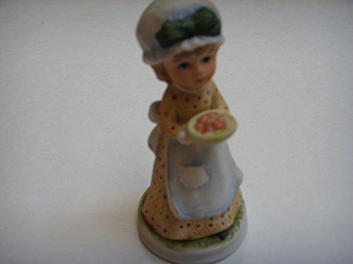 "Vintage 3.25"" Lefton China 00209 Hand Painted Porcelain Figurine ; Christmas Cookies"