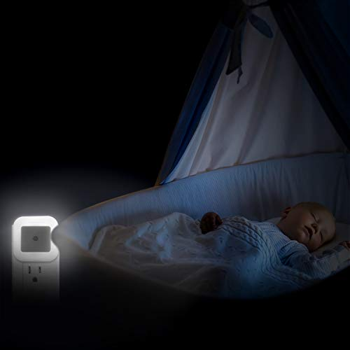 SUPERDANNY Plug-in LED Night Light Bright with 0.8W Smart Dusk to Dawn Sensor for Kids Baby Bed Room Kitchen Hallway Bathroom Nursery Stairs or Any Dark Room, Daylight White, 6-Pack