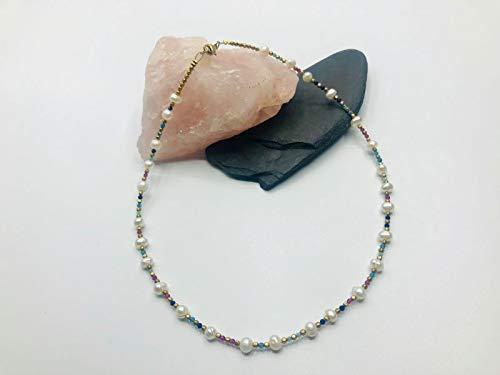 Gargantilla de perlas y piedras