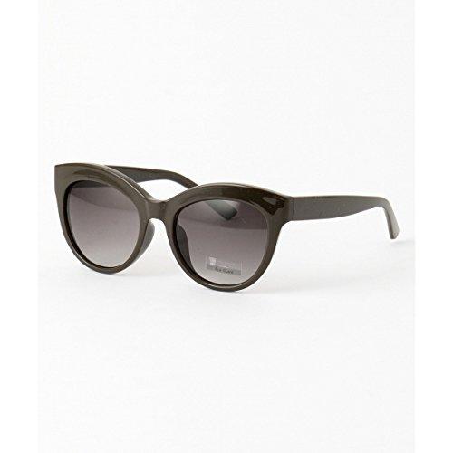 レディースにおすすめのサングラスの種類のカーキ色フォックス型サングラス