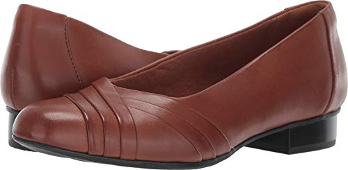 CLARKS Women's Juliet Petra Pump, tan Leather, 10 W US ()