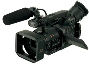 Panasonic Pro AG-DVX100BP(S) 3-CCD MiniDV Proline Camcorder with 10x Optical Zoom (Discontinued by Manufacturer)