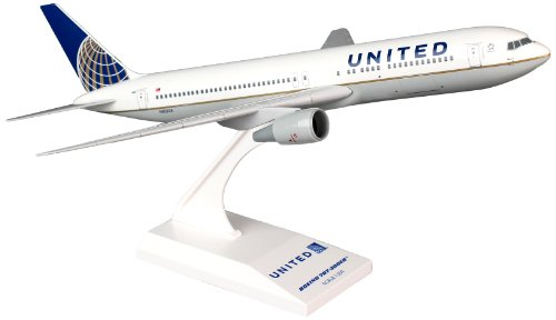 (Daron Skymarks United 767-300 New Livery Model Kit (1/200 Scale))