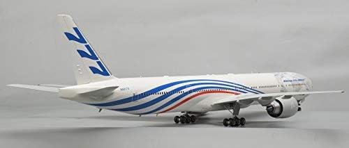 Civil Airliner Boeing 777-300ER Scale 1:144 147 Parts Lenght 20 Plastic Model Kit Zvezda 7012