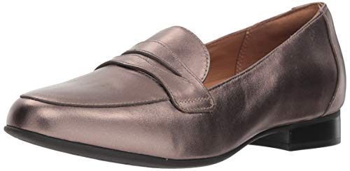 CLARKS Women's Un Blush Go Penny Loafer, Pebble Metallic Leather, 70 M US