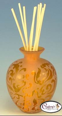 (La-Tee-Da Amber Etched Reed Diffuser )