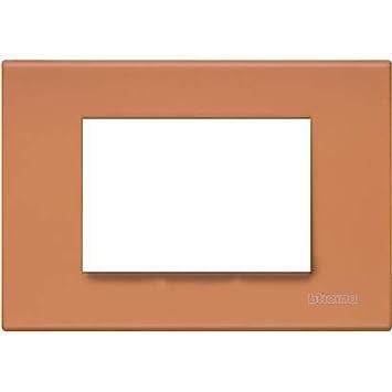 Bticino Placca quadra per interruttore 3 Moduli serie Living in metallo Rosso Gomma N4803RE