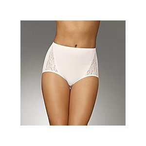 a7a4d5e2c Large 3 in a Pack Lace Briefs   Knickers   Underwear Maidenform Flexees  Tummy Control Toning