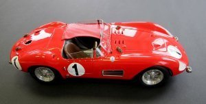 1958 Maserati 300S # 1 Le Mans model car by CMC in 1:18