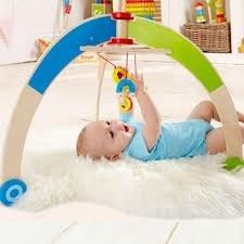 hape - baby gym - holz - spieltrainer trapez - hochwertiges ... - Holzspielzeug Fur Kinder