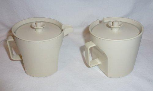 (Vintage Tupperware Almond Sugar & Creamer Set 1414-2)